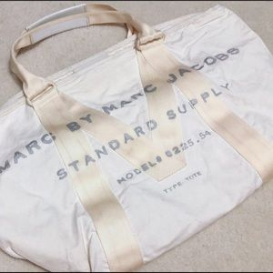 MARC BY MARC JACOBS WHITE TOTE